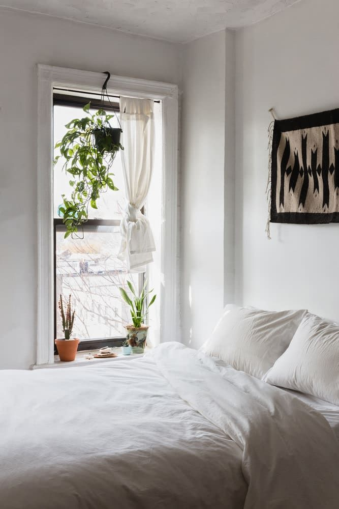 The 14 Best Bedrooms We Found On Pinterest Sodomino White Room Interiordesign Wall Furniture P Small Room Bedroom Minimalist Bedroom Design Tiny Bedroom