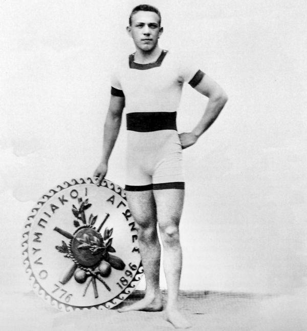 Az első újkori limpián Athénban 1896-ban kétszeres bajnokként. Kép: nemzetisport.hu