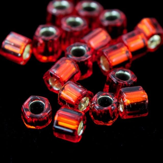 8/0 Silver Lined Burnt Orange Hex Seed Bead