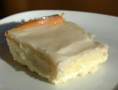 Gluten free cheesecake bars. CANNOT WAIT TO TRY! With coconut palm sugar and raw honey!:)