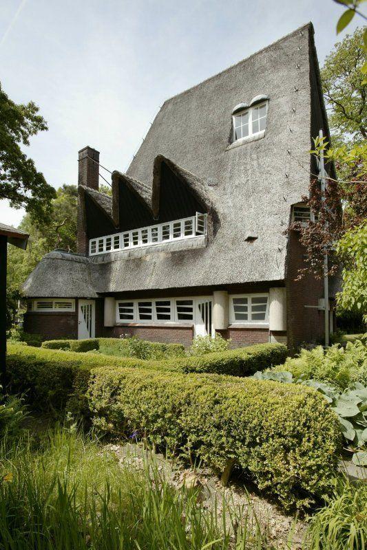 Villa Gaudeamus of Walter Maashuis | Bilthoven | architect: Frants Edvard Röntgen | 1927