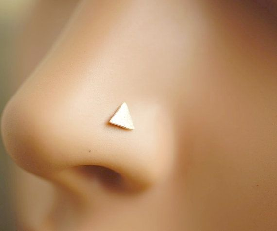 This nose ring is made of 925 sterling silver (not silver plated), nickel free.  The L post dimension: 6mm + 4mm.  The head dimension: 4mm * 4mm.  20