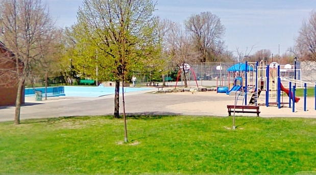 The City of Ottawa is crediting weeks of training and the quick actions of a 17-year-old lifeguard for saving the life of a four-year-old boy found face down in a west-end wading pool on Friday.