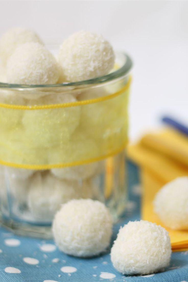 Con il loro ripieno al cioccolato bianco e aromatizzati alla vaniglia, i dolcetti di cocco sono una vera delizia che si sciolgono in bocca.