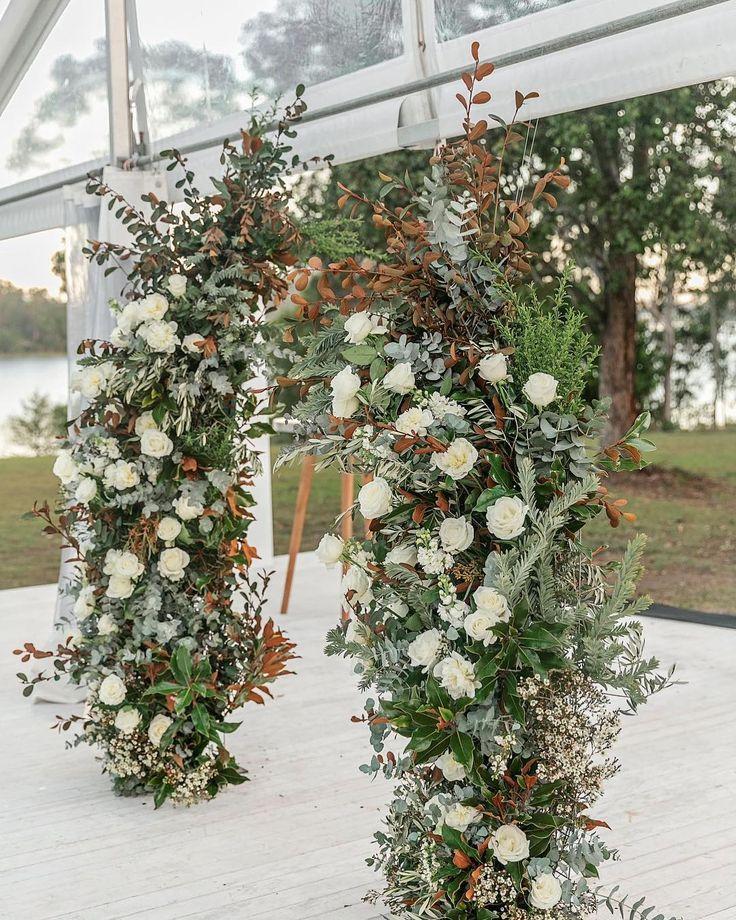Sunshine Coast vendor: mondo floral designs.    @clweddingsandevents / @exceleventhire