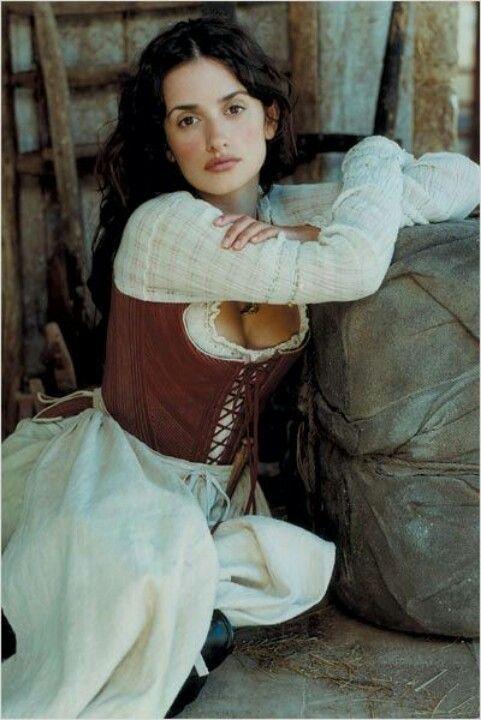 """Penelope Cruz - """"Fanfan La Tulipe"""" (2003) - Costume designers : Guy Adoh & Olivier Bériot"""