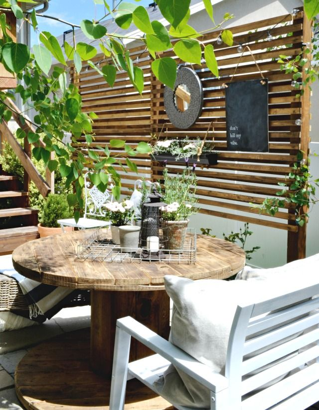 small patio solutions how to build an inexpensive trellis to create privacy on a small - Small Patio Privacy Ideas