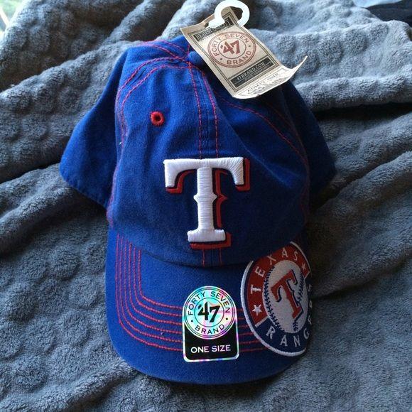 NWT Texas Rangers baseball cap NWT Texas Rangers baseball cap, women's Velcro strap in back for adjusting Accessories Hats