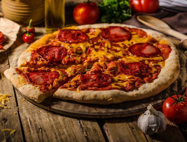 Ciasto na pizzę jak z pizzerii