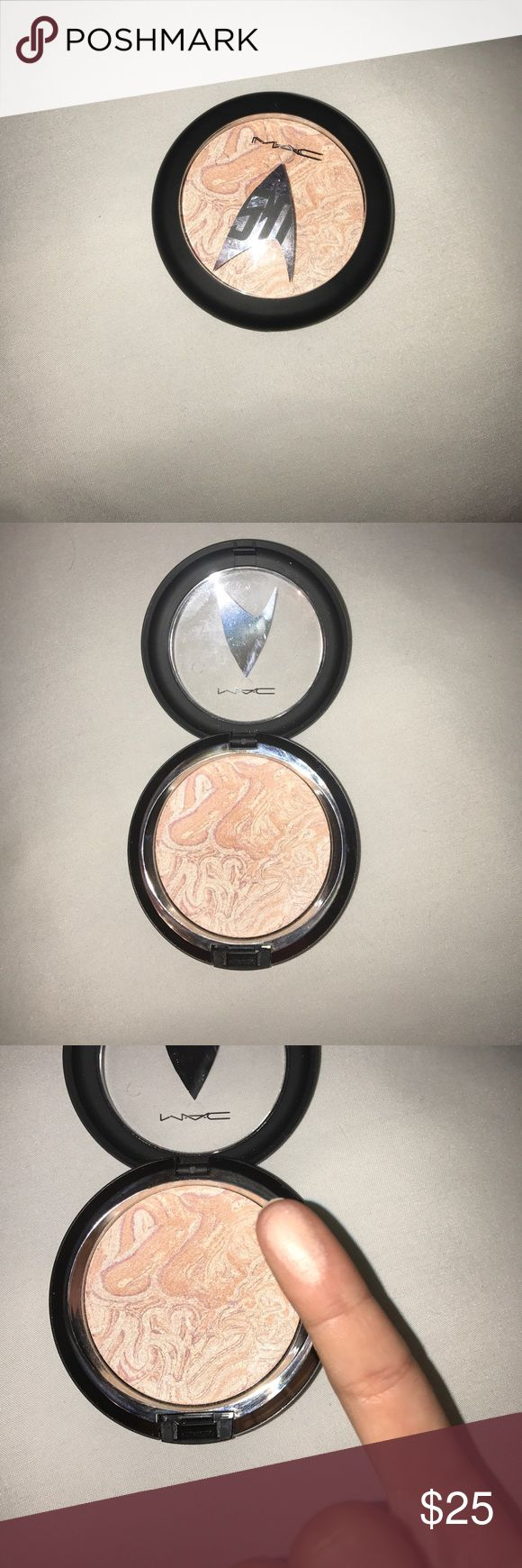 Mac Highlighter in shade Luna Luster A highlighter with the perfect shimmer! Long lasting highlighter, it never slips throughout the day. Only been used about 2 times! MAC Cosmetics Makeup Luminizer