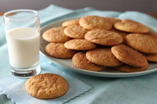 Vanilla Snickerdoodle Cookies - Fill the kitchen with the aroma of freshly baked sugar cookies! These snickerdoodles are made with pudding for a richer, more tender cookie experience.