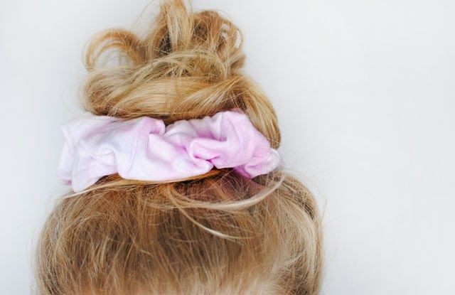 Scrunchie Hair Styles: This Fashion Is Mine: DIY 90s Scrunchie & Hair Tie