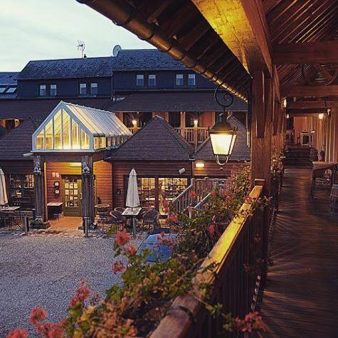 ⭐️ Bienvenue à l'Hôtel - Spa Le Lion D'Or à Pont L'Evêque en Normandie ⭐️ #hotel #spa #bienvenue #normandie #normandy #deauville #nuit #night