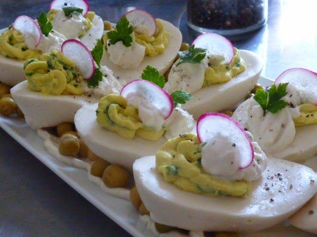 I b l e n d p l a n t s : Wegańskie, dekorowane, proste roślinne jajka z for...