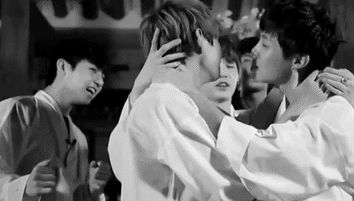 Resultado de imagen para bts vhope kiss