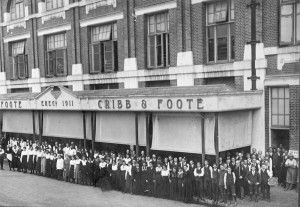 Cribb & Foote Store staff in front of building on Bell Street, Ipswich, ca. 1916 / Picture Ipswich, Ipswich City Council www.picture.ipswich.qld.gov.au   thefashionarchives.org