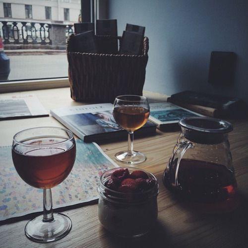 Спасибо @spacevictory за эту фотографию. 🙏🏻 Всем хорошего дня и заходите к нам в гости, пить всякий разный чай и кофе.🙌🏻 #tea #teashop #teatime #teatogo #teaforyou #spb #saintp #peterburg #saintpetersburg #stpetersburg #ohmytea #ohmytearu #ohmytea_ru...