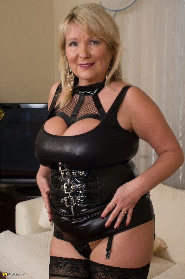 escort domina super milf