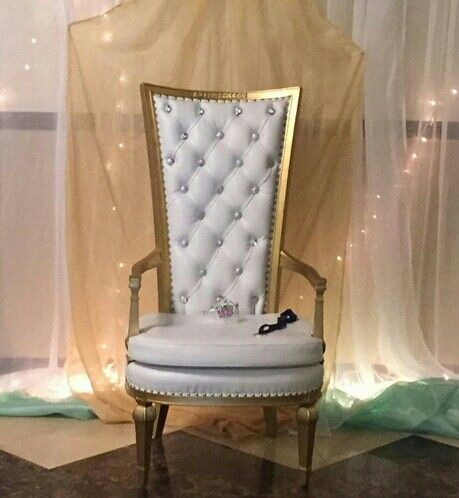 White and gold chair rental
