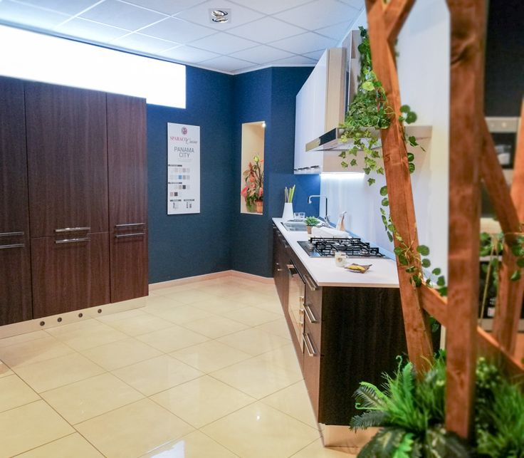 Oggi vi presentiamo la cucina panama di sparacocucine da poco arrivata nella nostra esposizione una cucina dal design moderno realizzata con la qualità