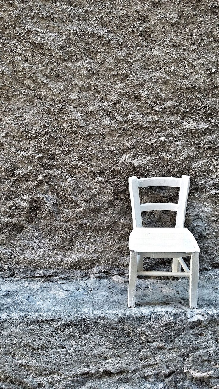 Just a little chair. P.p.