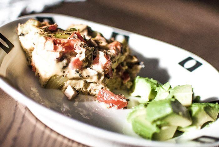 Omelett i ovn med grønnsaker - http://vegetarsnadder.no/omelett-ovn/