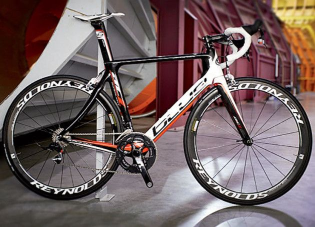 http://bikeglam.com/the-best-road-bikes-for-beginners-mens-and-womens/