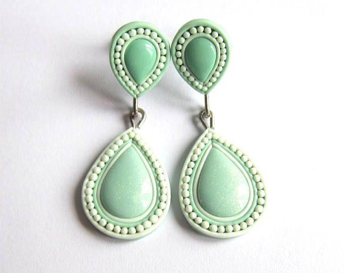 Pendientes verdes salvia salvia traje verde, luz verdes pendientes, pendientes verdes Pastel, lágrima pendientes, pendientes de boda, verde regalos de novias