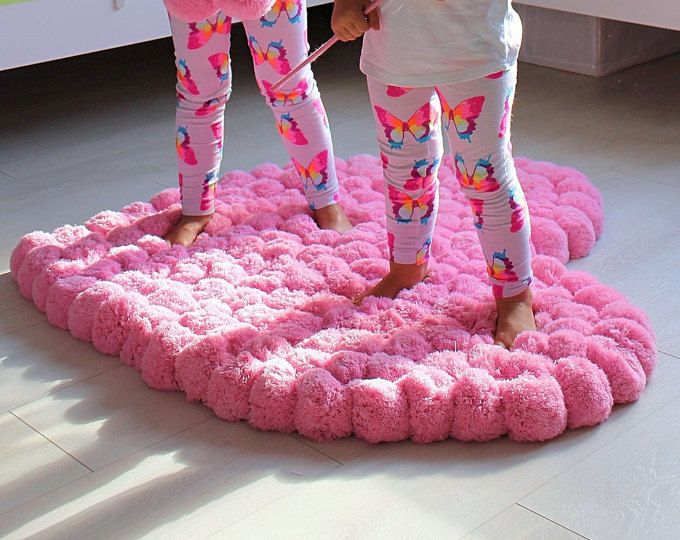 Grande Pom Pom tappeto, grande tappeto, tappeto rosa cuore, ragazza camera tappeto, Nursery tappeto, soffice tappeto, tappeto Pompon, Rosa zona tappeto, tappeto per bambini, Pom Pom decorazione