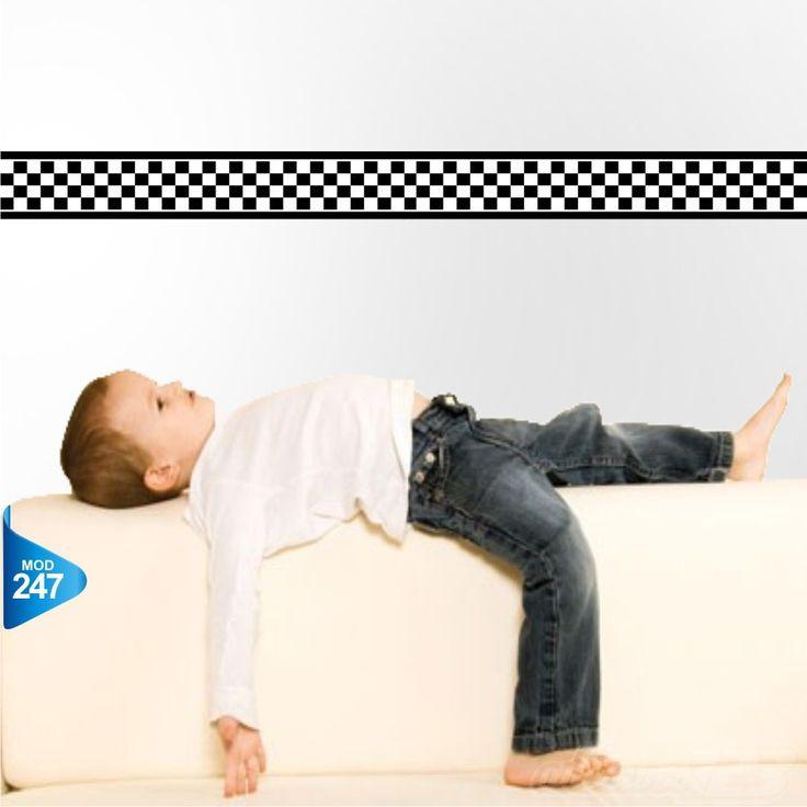 Faixa decorativa (border) para quarto infantil. <br> <br>Cada faixa possui 1 metro de comprimento por 17 cm de altura <br>Exemplo: Para comprar 5 metros, digite no campo Qtd: (5) <br> <br>Informações para este produto: <br> <br>- Produto auto-colante, não necessita de cola; <br>- Adesivo impresso e recortado eletronicamente em vinil de alta qualidade fosco, próprio para decoração; <br>- Não possui cheiro e não é tóxico. <br> <br>Quais são as vantagens? <br> <br>- Renove seus ambientes…