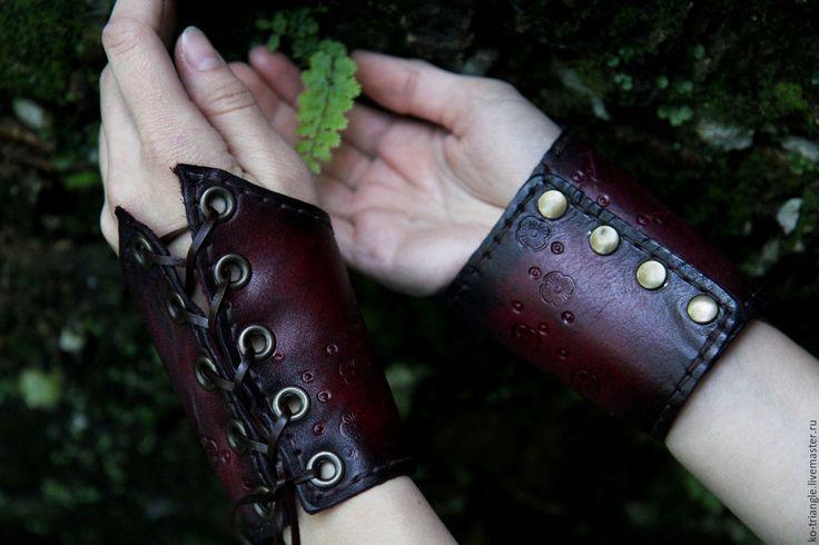 """Купить Манжеты из кожи """"Сны и секреты"""" - парные браслеты, манжеты, манжеты из кожи, браслет манжета"""