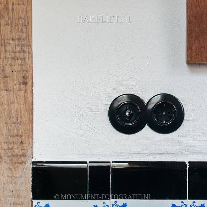 THPG bakeliet wandcontactdoos zwart inbouw | Bakeliet.nl - BAKELIET.NL