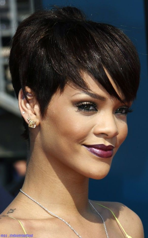 Pin by Allyson Billiel on Hair | Rihanna short hair ...