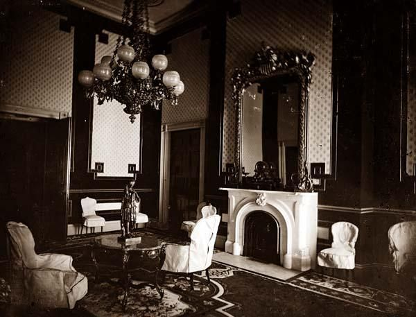68 best Victorian images on Pinterest Victorian decor Victorian