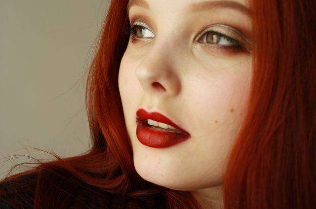 Hantastic Beauty: Tutorial: How To Do Vampy Gradient Lips For Clumsy...