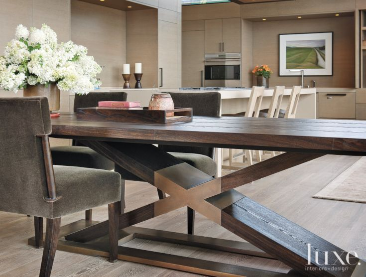 Contemporary Neutral Dining Table With Large Bouquet