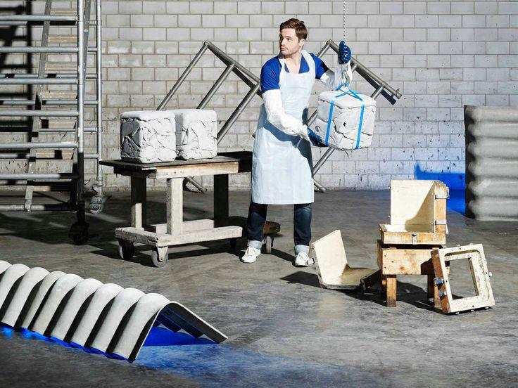 Le designer suisse Nicolas Le Moigne a conçu un concept de tabourets élaborés à partir de chutes de matière première de la société Eternit, entreprise spécialisée en recouvrement de toit et de façade. Le Trash Cube relève un défi contemporain: penser éco en réutilisant cette matière première mais aussi en la métamorphosant savamment en créations uniques.