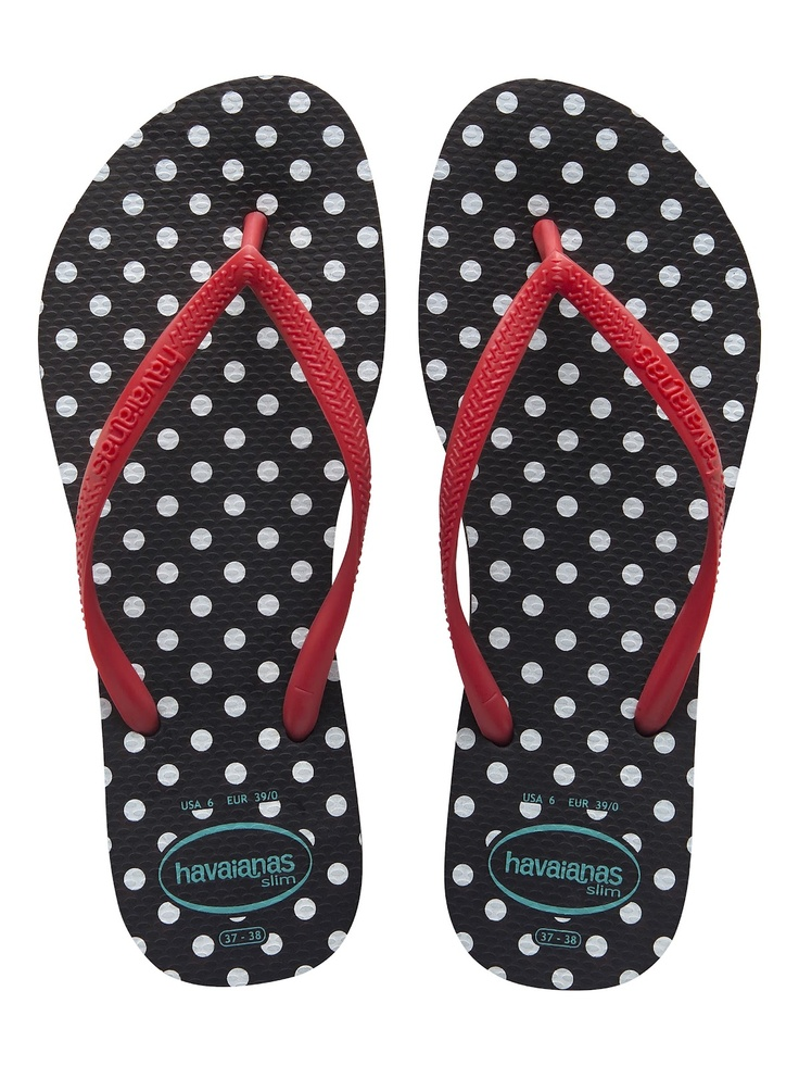 Havaianas became a huge hit in 2005. Thats when flip flops were in fashion even not for the beach or the pool.