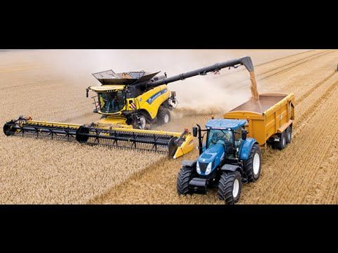 New Holland CR10.90 combine Guinness World Records attempt - YouTube