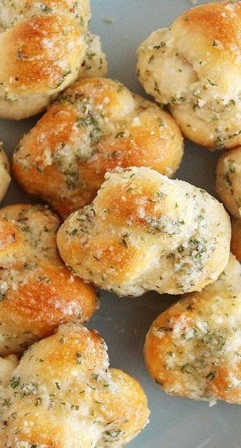 Quick & Easy Garlic Parmesan Knots