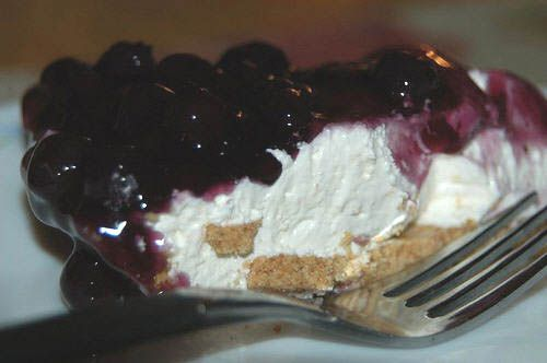 blueberry delight recipe!! I cannot wait to try this out :) It looks so easy to make and delicious!!