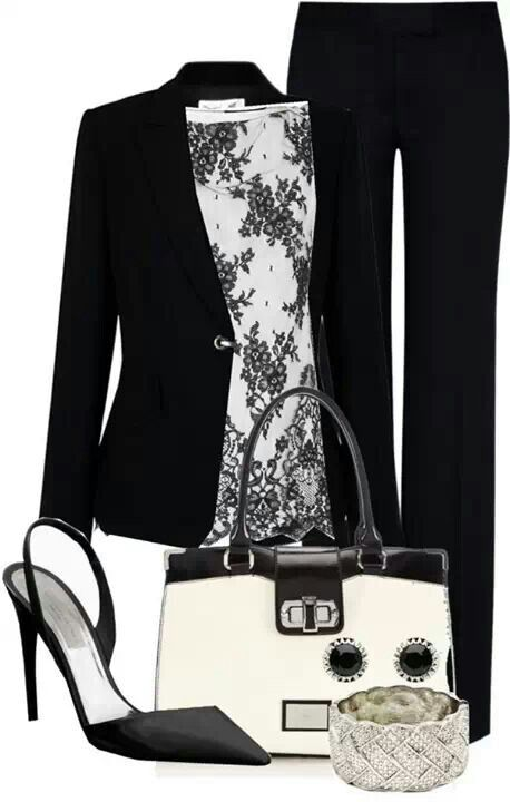 This work outfit works so well. Black and white is always a good combination.