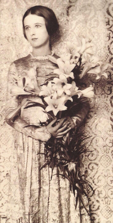 best scarlet rose images on pinterest fashion vintage roaring