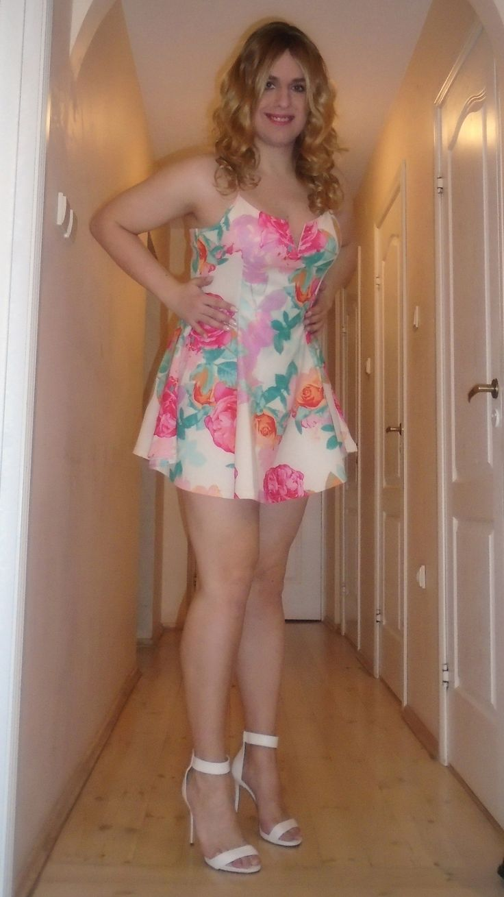 "luvlustfortoes: "" Love the dress and heels! "" darling and sexy!                                                                                                                                                                                 More"
