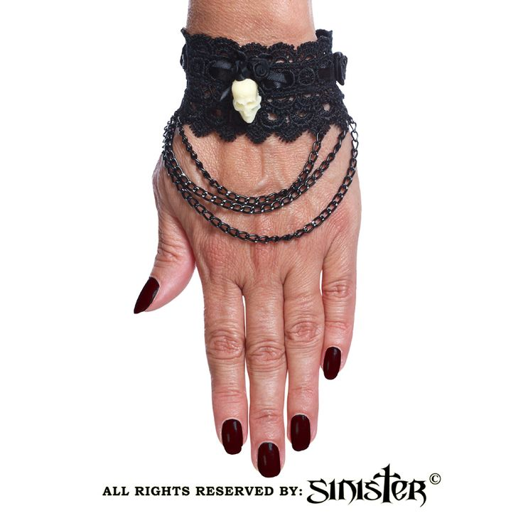 Collection 2015 -  Gothic skully cuffs with black metal chains by Sinister (A026) www.sinister.nl