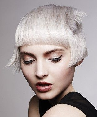short blonde straight coloured silver defined-fringe hairstyles for women