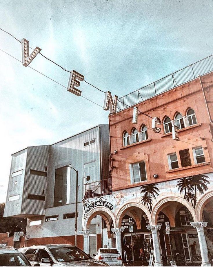 Candid moments || Sunny days in Venice California  @laurie_ferraro #venice #californiadreaming #beachgold