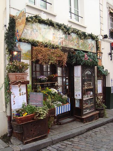 Winding roads and charming store fronts