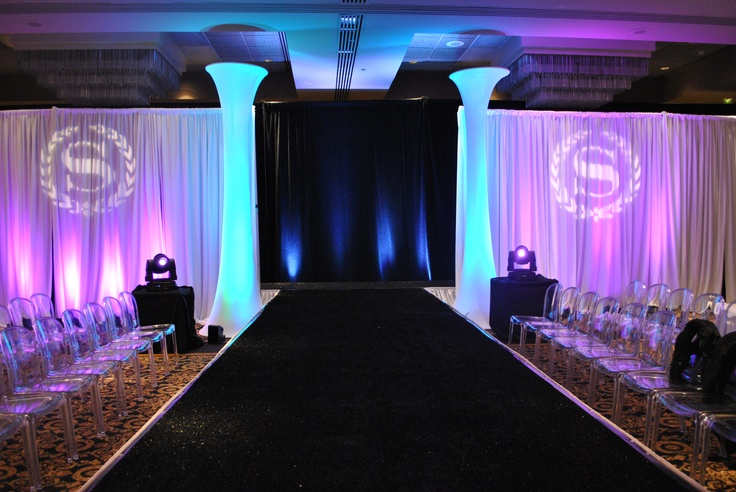 Fashion Show Set Up | 2013 Winter Wedding Showcase ...