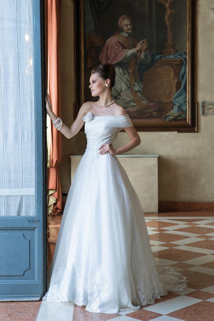Model: Funny - Collezione Glamour di Gloria Saccucci Spose